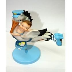 Cigueña bebé celeste volando